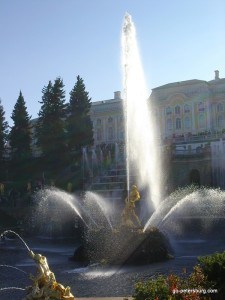 Peterhof Samson Fountain and Palace